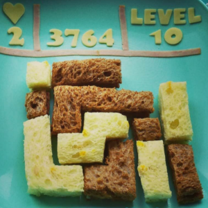 Kids lunch idea with theme video game Tetris shared on Teuko.com the lunchbox community for moms and dads who pack lunch for their kids.
